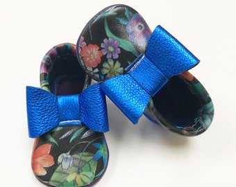 Colorful Daisies Moccasins