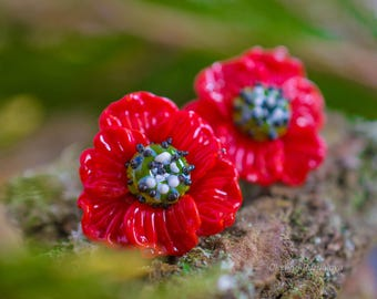 Red flower lampwork  poppy earrings, glassworks, glassblowing flower studs. red poppy, lampwork earrings