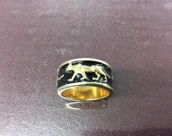 Gold filled ring lions going around side
