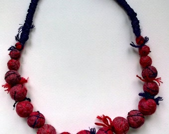 Colorful felt necklace - purple, red, burgundy