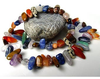 Colorful mixed strand - precious stone fragments, teeth, large, polished - 40 cm