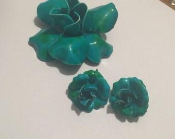 Beautiful Enamel Flower Brooch With Earrings Light Blue/Green
