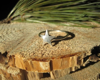 Sterling Silver Star Midi Pinkie Ring