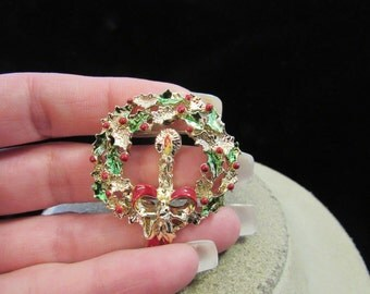 Vintage Enameled Christmas Wreathe/Candle Pin