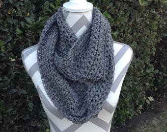 Infinity Scarf / Crochet Infinity Scarf / Cowl Scarf / Gray Crochet Scarf / Neck Warmer / Circular Scarf / Crochet Accessories / Gray Scarf