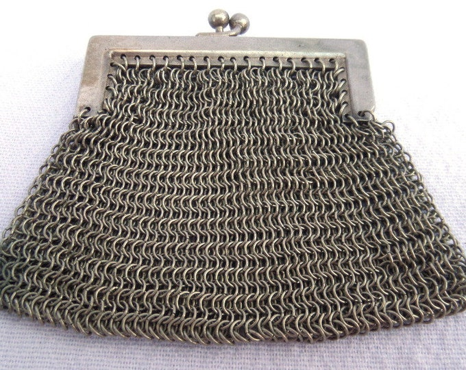 Metal Mesh Purse, LOW SHIPPING, Mesh Finger Purse, Art Deco Antique Circa 1920, White Metal Chain Mail, Silver Tone, Excellent Condition
