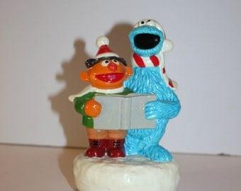 RARE Vintage Gorham Muppets Inc. 1982 Christmas Carolers Music Box-Sesame Street-Cookie Monster-Ernie-