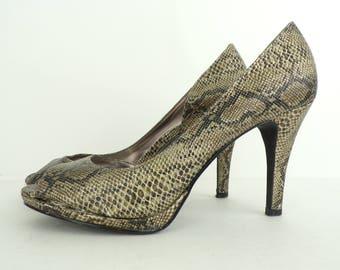 Snake Print Heels, 90s Animal Print Pumps,Black & Gold Heels, Peep Toe Heels, Pumps, Snake Print Shoes, Animal Print Heels, Womens Size 7.5