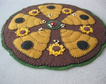 PDF Pattern: Beehive Penny Rug, Instant Download, Summer / Fall Decoration