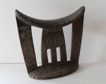 Ethiopian headrest.  Neckrest pillow. Tribal art / African art / Ethno / Ethnographic . Primitive Art