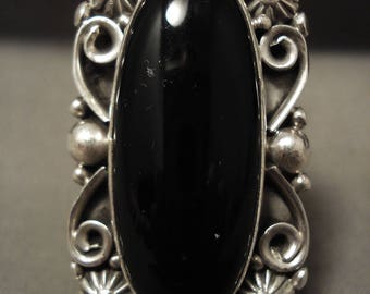 Huge And Unique Vintage Navajo Ben Begaye Onyx Sterling Silver Ring