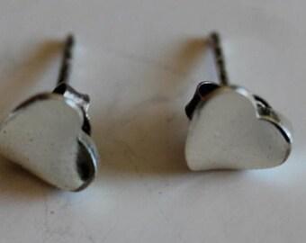 Sterling silver vintage heart stud earrings posts