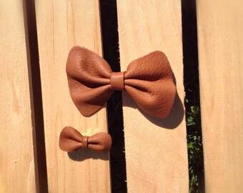 Leather Bow, hair clip, hair bow, clip bow, leather bow, girl bow, clip, classic hair clip, accesorios, bebe
