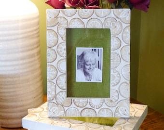 Hand-painted wood-slice mosaic photo frame