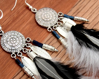 Dreamcatcher earrings black and white feathers, ethnic jewellery by Passionnella