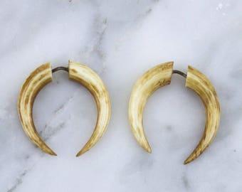 Stained Bone Pinchers Fake Gauges Earrings