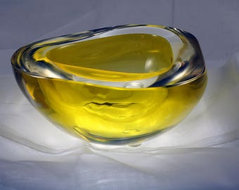 Murano Thick Yellow Italian Art Glass Bowl Mid Century Modern 1970s
