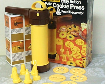 Vintage Cookie Press & Food Decorator, Hutzler Gerda Easy Action Cake Decorator, Icing Nozzles and Cookie Design Discs, Instructions on Box