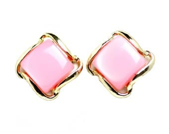 Vintage 1950s Pink and Gold Tone Diamond Thermoset Clip On Earrings