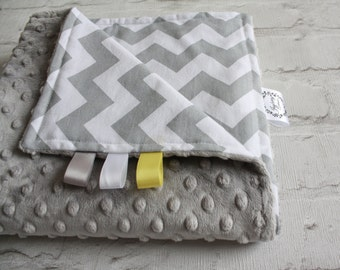 Baby Blanket - Grey Chevron Blanket - Toddler Blanket - Baby play mat - Pram blanket - Cot blanket  - Gender Neutral