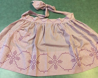 Vintage Apron. Half Apron Purple Gingham. Homemade Apron with Pocket. Vintage Half Apron. Vintage Floral Apron