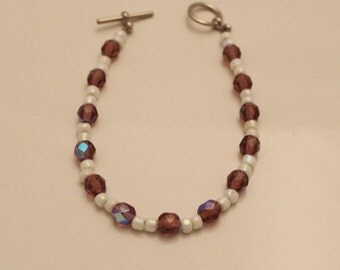 Delicate purple and white beaded bracelet - BR190
