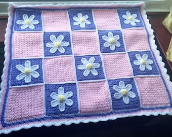 Daisy Crochet Baby Blanket, flower theme, New born girl afghan, Babyshower gift, Nursery throw
