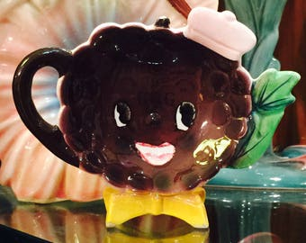 Napco Anthropomorphic Happy Grapes with Hat Teapot Kettle Tea Bag Holder made in Japan circa 1950s
