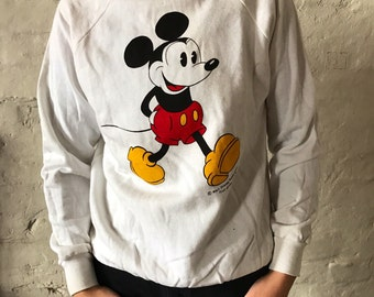 Vintage Mickey Mouse Sweater / Jumper / Pullover / Sweatshirt / White / Fruit of the Loom / Medium