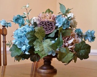 Dining room table centerpiece