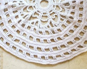 Minimalist Rug, White Rug, Modern Crochet Rug, Crochet Doily Rug, Nursery Rug, Bedroom Rug, Housewarming Gift, Wedding Gift, Newlywed Gift
