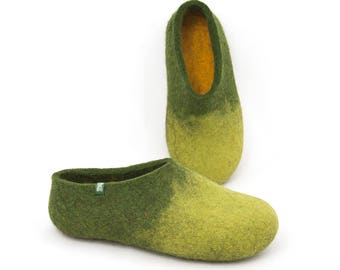 Women's house shoes, felt slippers, sheep wool slippers green, wool clogs, boiled wool slippers, ethical shoes, comfortable health slippers