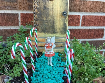 Miniature Christmas Candy Cane Stake, Miniature Candy Cane Path Stake, Holiday Stake, Christmas Stake, Dollhouse Walkway Stake