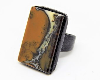 dendritic agate ring, rectangular stone ring, gemstone ring, dendritic quartz ring, leather ring with gemstone