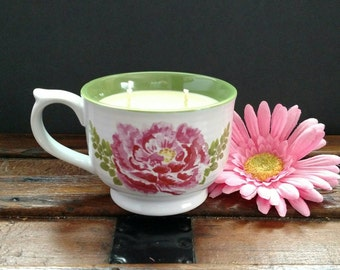 Springtime Blooms Soy Candle in Gardenia Scent