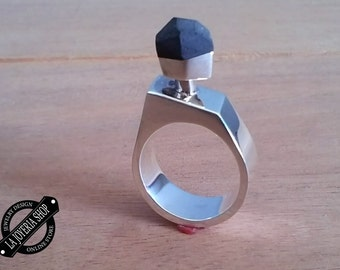 Women in particular and.925 Silver ring