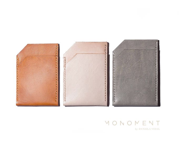 Slim wallet for women and men. Vegetable tanned leather. Brown, Tan, Black, Gray and Natural. Hand stitched. Minimal and functional design