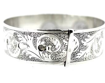 Silver Belt Bangle / Vintage Belt Bracelet / Engraved Silver Bangle / Floral Bangle / Flower Bangle / Antique Flower Bangle