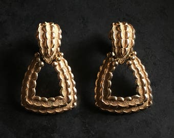 VIntage Crown Trifari gold tone dangling statement earrings.  Excellent clip on BLING!