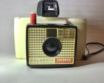 Polaroid Land Camera Swinger Model 20 (Vintage)