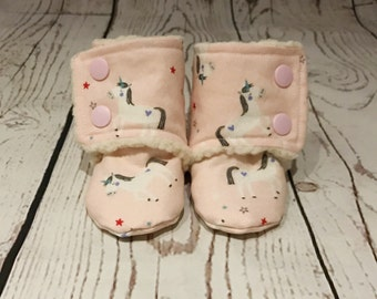 Teddy Fleece Lined Unicorn Print Baby Stay on Booties / Baby Slippers / Toddler Slippers / Babywearing Booties / Toddler Booties