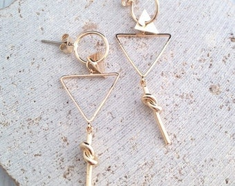 Triangle Drop Earring,Gold Triangle Drop Earring,Knotted Earring,Knotted Drop Earring,Gold Knotted Earring,Gold Triangle Drop Earring