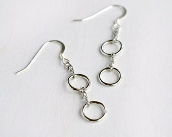 Silver Chain and Circle Earrings, Minimalist Geometric Jewelry, Simple Neutral Dangle Earrings