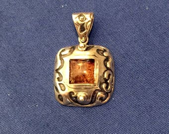 SILPADA® Retired Amber Stone Scroll Square Silver Pendant (S0908) Pre-owned(LdR)
