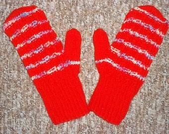 Children's gloves in red