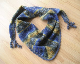 knitted scarf blue-striped