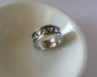 Vintage 90s Sterling Silver Triangle Triangles Pattern Ring Band 925 Stacker
