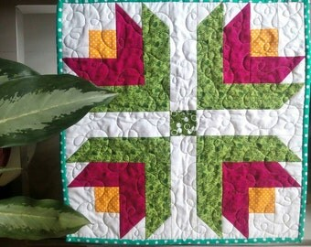 Pot holder, mini quilt, tulip quilt, flower quilt, patchwork quilt, table topper, Handmade Quilt, custom Quilt, floral quilt, quilt for sale