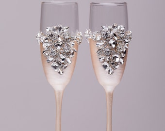silver flutes Wedding gift Wedding glasses bride and groom Toasting glasses Wedding Wedding  silver and ivory glasses of 2