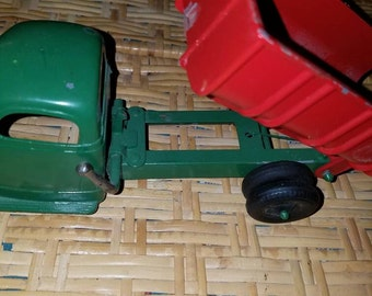 hubley dump truck toy